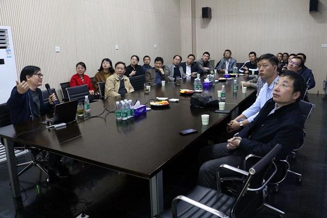 中国输血协会信息化建设工作委员会专家在雪莲花交流未来无偿献血宣传招募模式
